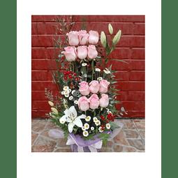 Paralelo de 12 Rosas y Liliums