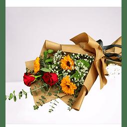 Ramo de 2 rosas y 3 Girasoles