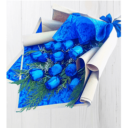 Ramo de 12 Rosas Azules en Papel Kraft