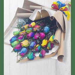 Ramo Tendido con 24 Rosas Arcoíris