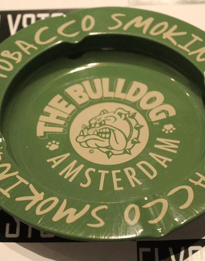 Cenicero BullDog