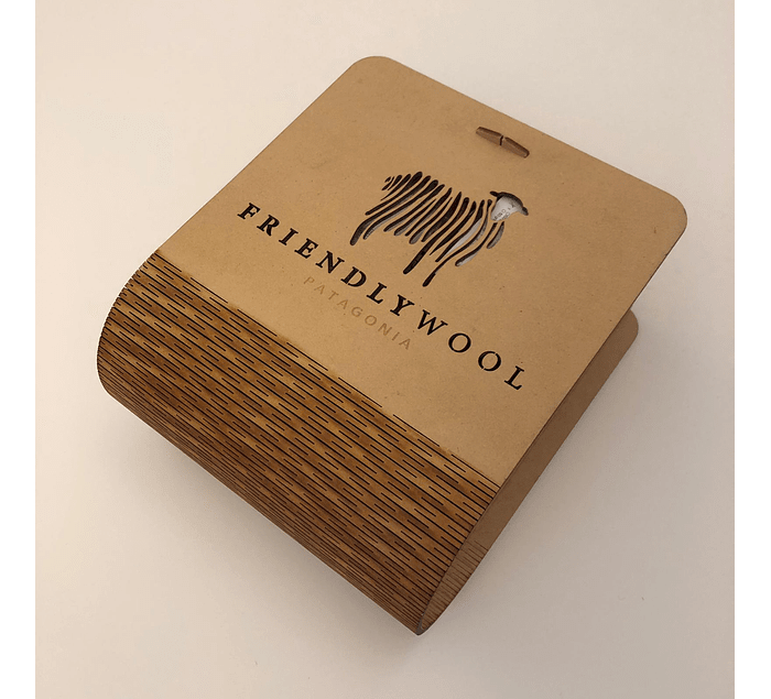 Luxury wooden box  with capacity for 4 balls
