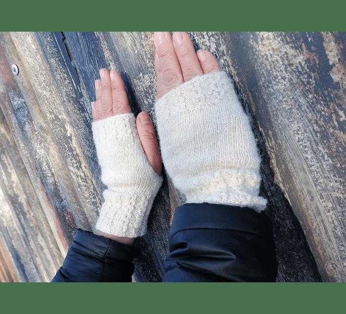 """Estepa"" hand-knitted wool gloves - Wildlife Friendly® certified"