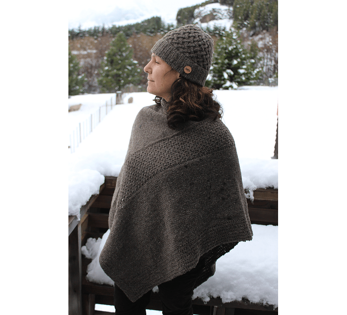 """""""Sur"""" hand-knitted wool poncho - Wildlife Friendly® certified"""