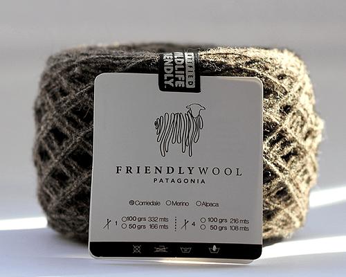 Ovillo 100% oveja Corriedale chocolate 1 hebra Wildlife Friendly