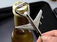 Llavero y abridor de botellas diseño Avion