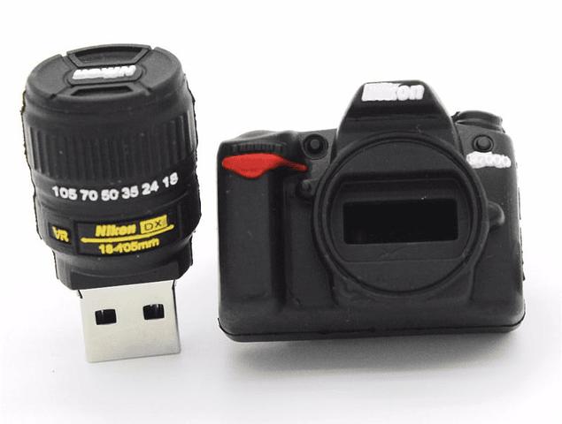 Pendrive Viajero 16GB - Camara Nikon D7000