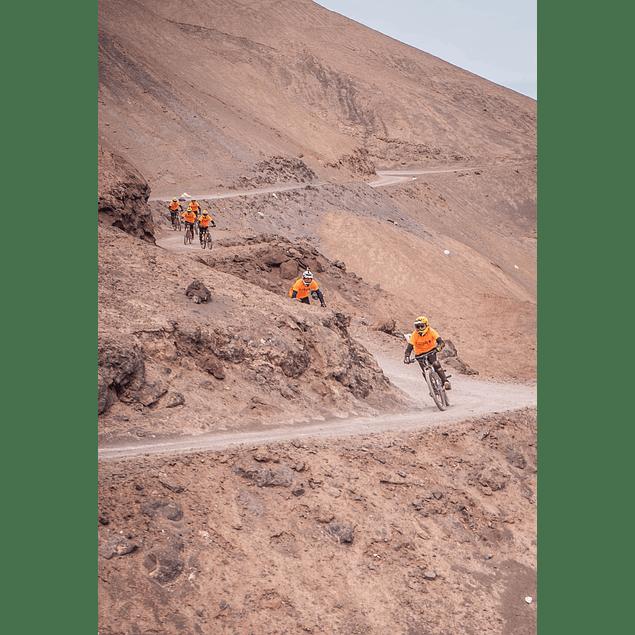 Iquique Tour Bicicletas Cerro Abajo downhill.