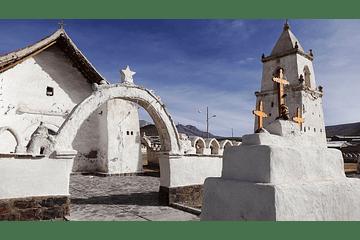 tours Iglesia de Isluga altiplano de Chile
