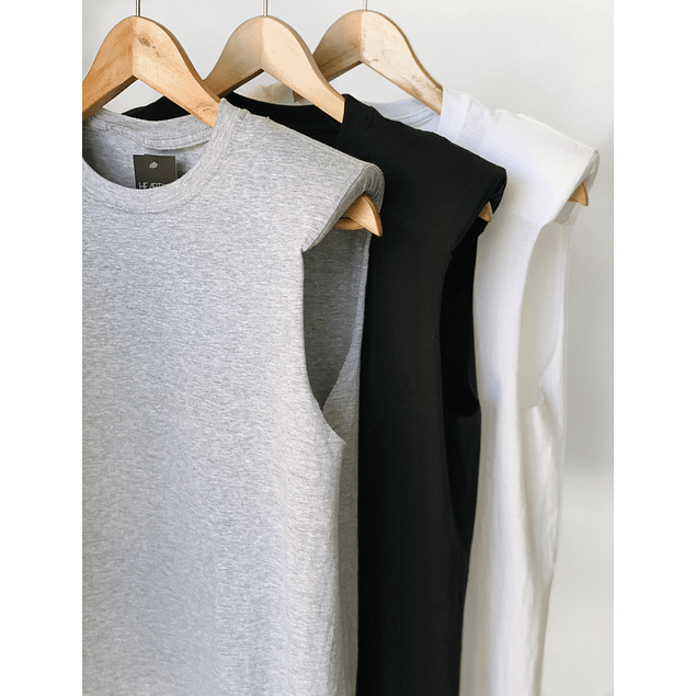 PADDED SHOULDER MUSCLE T