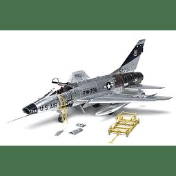Avion 1:32 Para Armar F-100F Super Sabre
