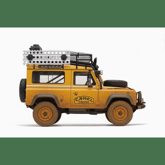 Campero Land Rover 90 Camel Trophy Borneo 1985 Versión Embarrada Esc. 1:18