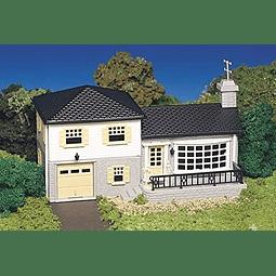 Casa con anexo de dos pisos 1/87 (HO)