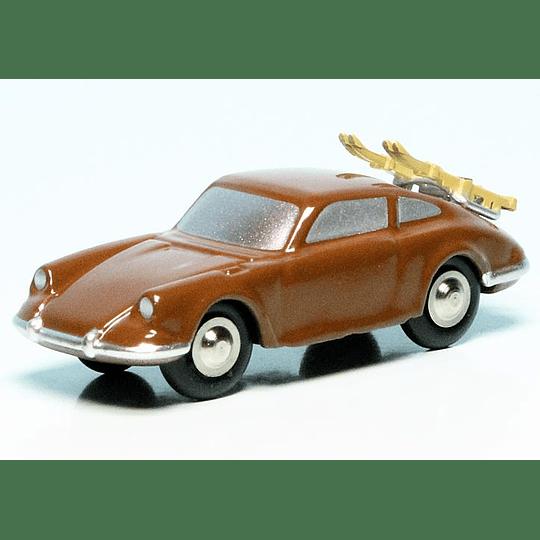Porsche 911 Piccolo Con Skies