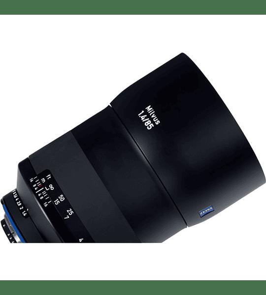 Zeiss Milvus 85mm f1.4 - montura Nikon o Canon