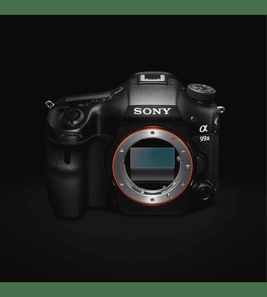 a99 II con sensor de imagen full-frame retroiluminado