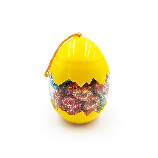 Huevo Con Huevitos de Chocolate Sólidos.