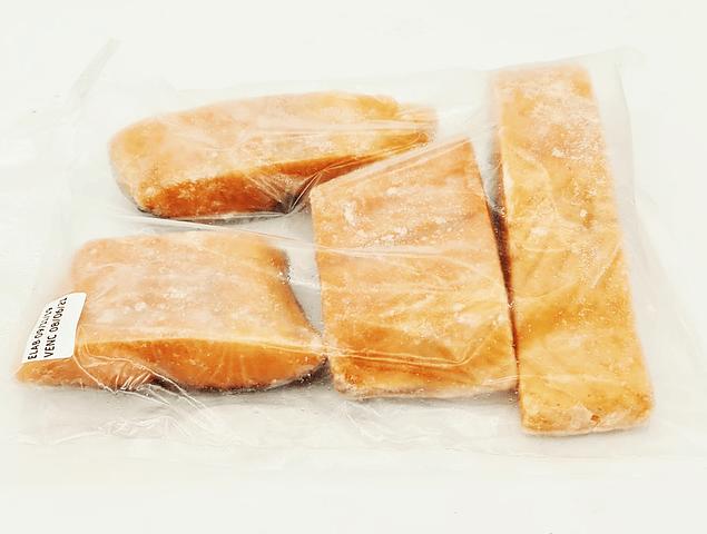 Salmón Trozos con Piel kg