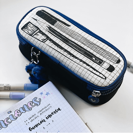 30 pens School Supplies