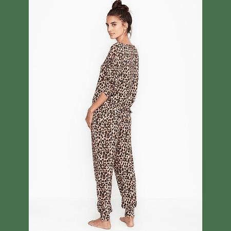 Conjunto Pijama animal print manga larga Victoria Secret