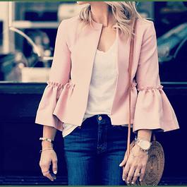 Chaqueta rosada a la moda