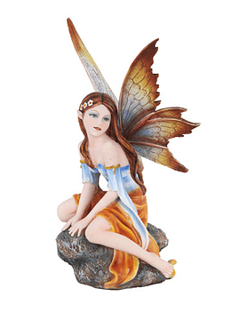 Hada Fairyland Sentada en Roca