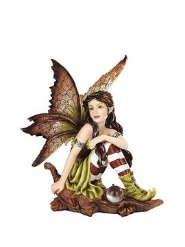 Hada Fairyland Sentada en Hoja
