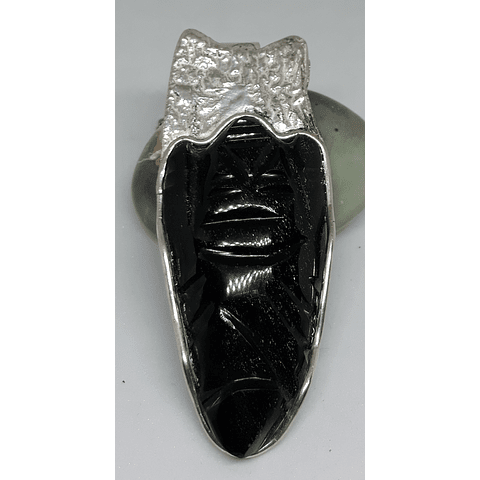 Máscara de obsidiana