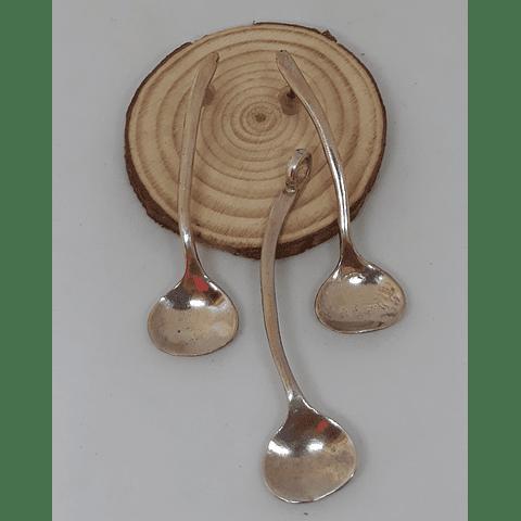 Aros y colgante cucharitas