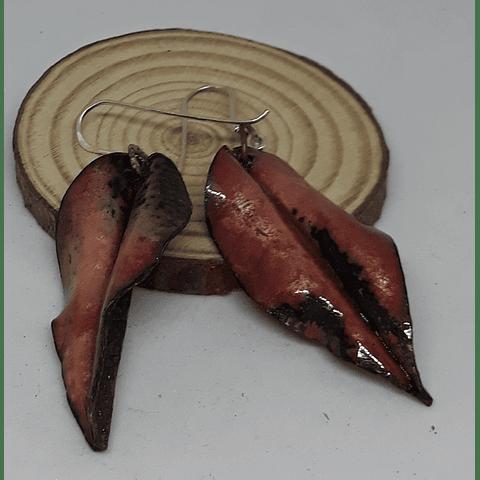 Collar de cobre con hojitas esmaltadas