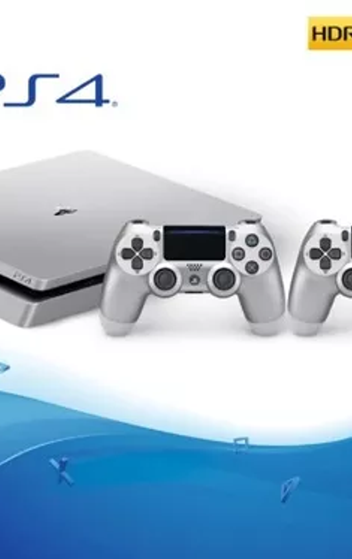 PS4 Slim plateada 500GB con 2 controles