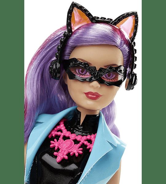 Barbie espía y ladrona