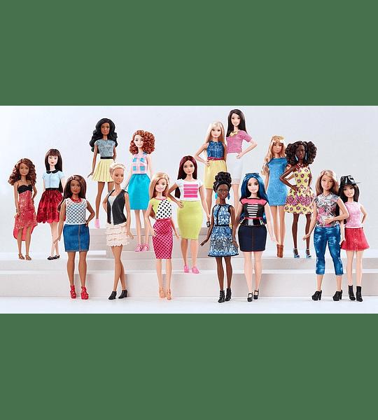 Barbie Fashionistas muñeca Chambray Chic – Con curvas