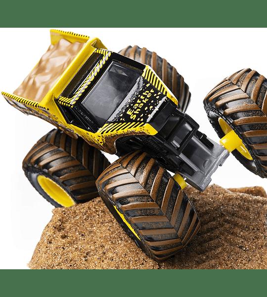 Monster Jam Earth Shaker Monster Dirt Starter Set