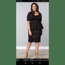 Vestido Cuello Corazon Manga Corta y Peplum con Falda de Encaje Tallas Plus Kadrihel