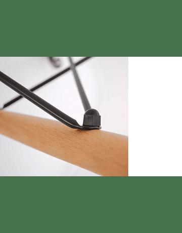 Silla DSW Eames Negro de Polipropileno virgen con patas de Haya
