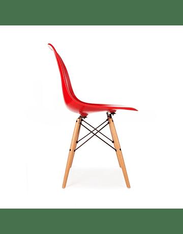 Silla Eames DSW Rojo* de Polipropileno virgen con patas de Haya