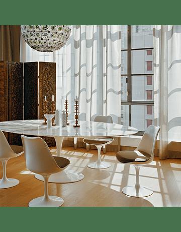 Silla Tulip Eero Saarinen en color Blanco* con cojín gris