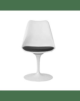 Silla modelo Tulip de Eero Saarinen en color Blanco con cojín negro