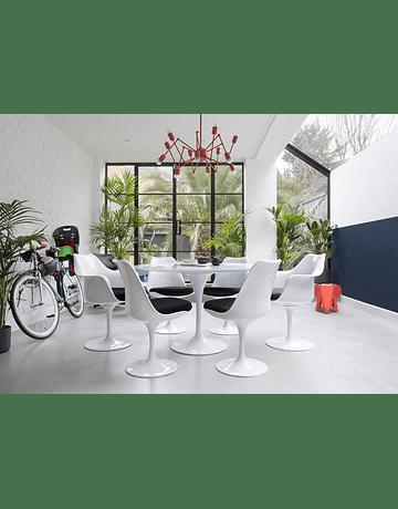 Silla modelo Tulip de Eero Saarinen en color Blanco con cojín Rojo