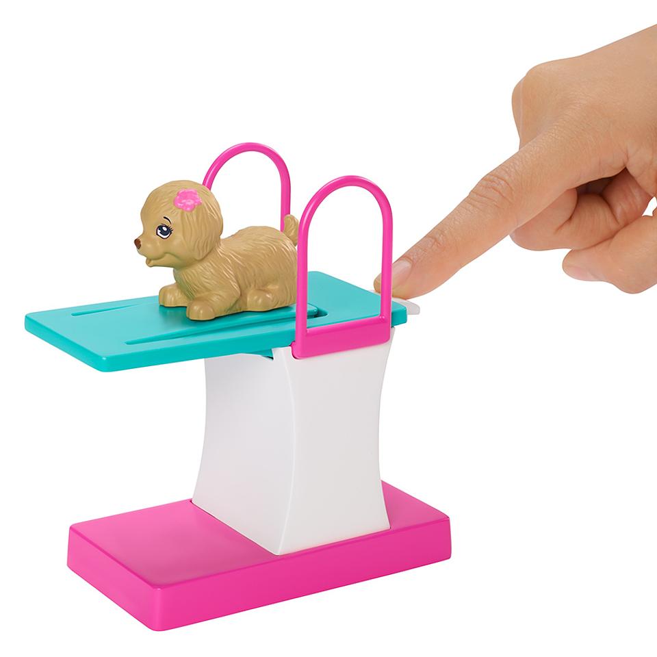 Barbie Nadadora con accesorios