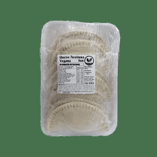 Empanadas crudas de Aceitunas Queso, 8un - La Donna