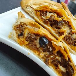 Empanada Boloñesa - This is Vegan