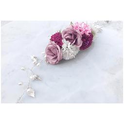 Tocado flores de seda, hojas y perlas
