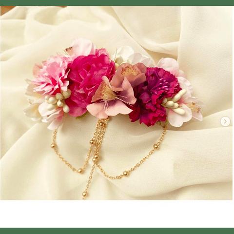 Tocado flores y cadenas