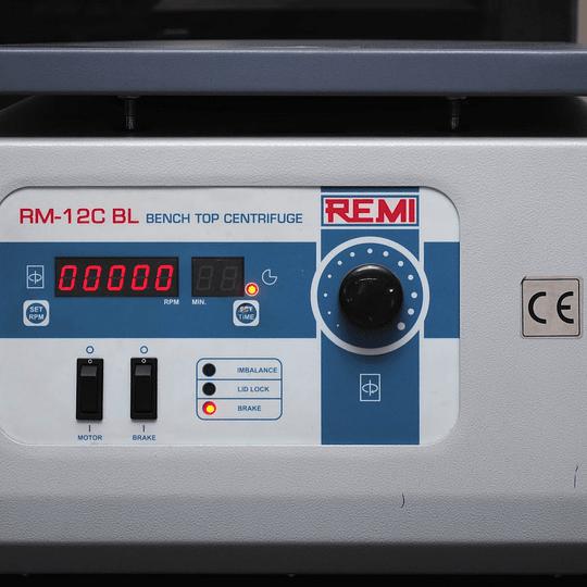 Centrifuga Microhematocrito Remi Modelo Rm-12c digital 24 capilares