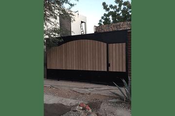 Instalación de Perfil MasterDeck en Porton de Garage en Hermosillo, Sonora.
