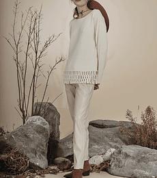 Sweater blanco flecos con perlas