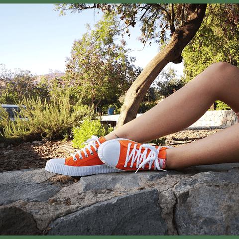 Zapatillas de Lona color Naranja (35 al 40)