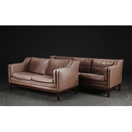 Sofa set of 2- & 3- Seater ( RESERVADO)
